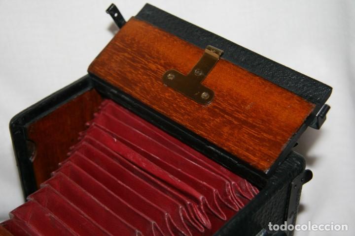 Cámara de fotos: Camara de madera Sanderson IMPECABLE - Foto 10 - 153799138
