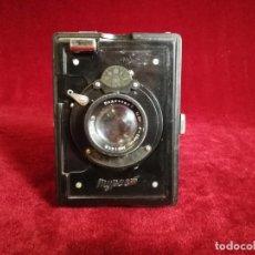 Cámara de fotos: RAREZA CAMARA DE FOTOS RUSA GOMZ TURIST ( MYPUCM) 1934 , BAQUELITA BUEN ESTADO GENERAL, OPORTUNIDAD . Lote 155429898