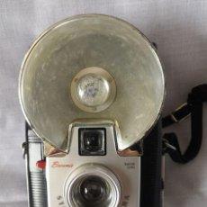 Cámara de fotos: CÁMARA FOTOGRÁFICA BROWNIE DAKON STARFLASH CAMERA CON FLASH. Lote 158033938