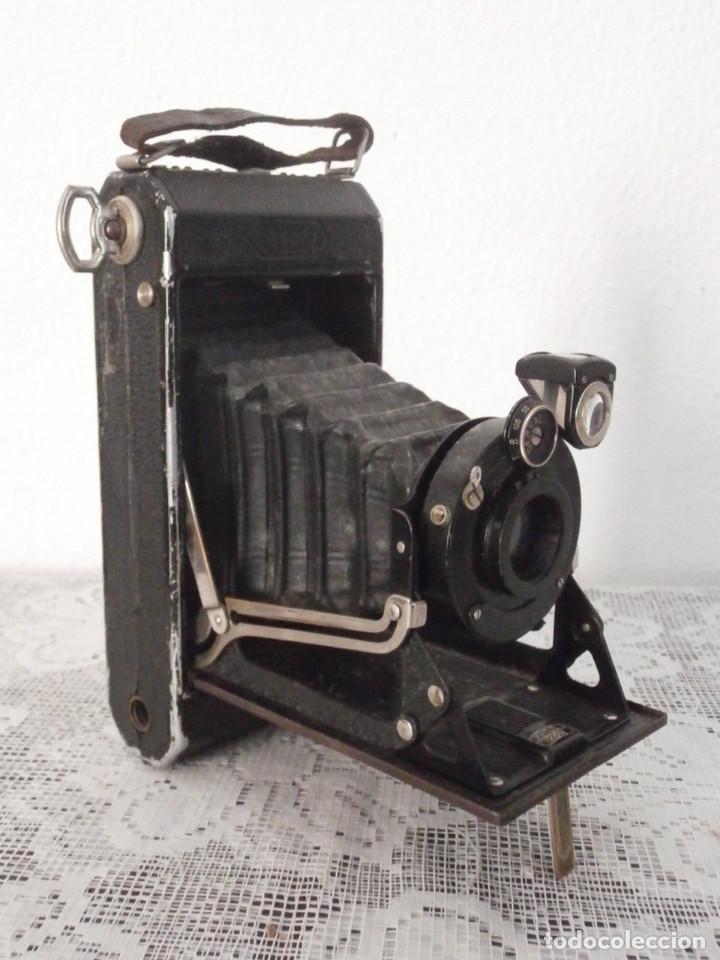 Cámara de fotos: Antigua cámara fotos fotográfica alemana fuelle plegable marca Zeiss Ikon Ikonta 520/2 año 1929/37 - Foto 2 - 159806030