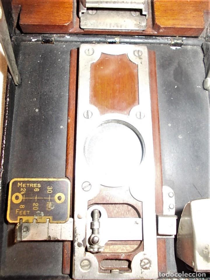 Cámara de fotos: Antigua camara Kodak de fuelle rojo combinada madera - Foto 8 - 165586598