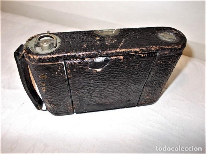 Cámara de fotos: Antigua camara Kodak de fuelle rojo combinada madera - Foto 11 - 165586598