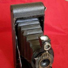 Cámara de fotos: CAMARA KODAK Nº 2 FOLDING AUTOGRAPHIC BROWNIE. Lote 166160830