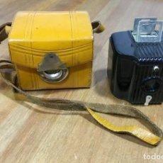 Cámara de fotos: BABY BROWNIE ( BEBE BROWNIE ) - KODAK. Lote 166671142
