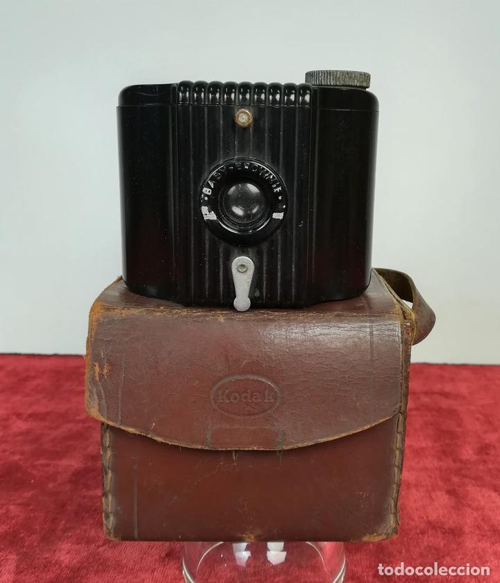 CÁMARA FOTOGRÁFICA BABY BROWNIE. KODAK (CIRCA 1940) NUEVA YORK (Cámaras Fotográficas - Antiguas (hasta 1950))