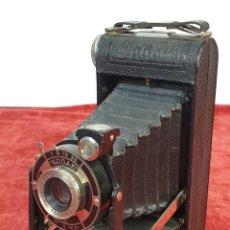 Cámara de fotos: CÁMARA FOTOGRAFICA. KODAK JUNIOR. ANASTIGMAT. ALEMANIA. CIRCA 1940. . Lote 166864940