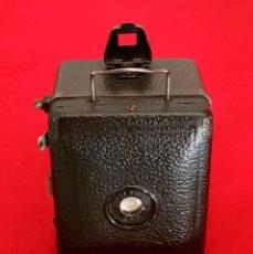 Cámara de fotos: CAMARA ZEISS IKON BABY BOX. Lote 168740140