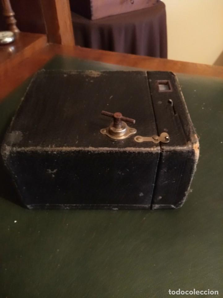 Cámara de fotos: Camara Brownie nº 2 A Modelo B de Eastman-Kodak de 1909 - Foto 7 - 168815552