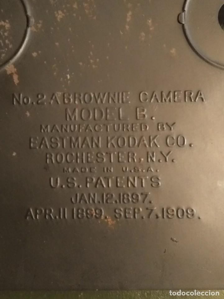 Cámara de fotos: Camara Brownie nº 2 A Modelo B de Eastman-Kodak de 1909 - Foto 12 - 168815552