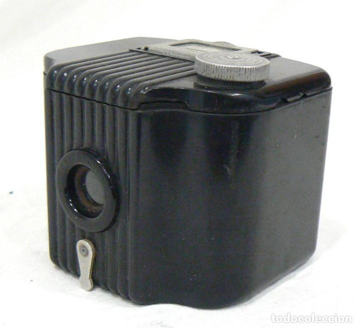 Cámara de fotos: Antigua cámara fotográfica Kodak Baby Brownie de baquelita USA 1934 - Foto 2 - 169917244