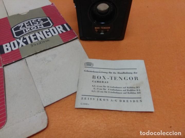 Cámara de fotos: CÁMARA ZEISS IKON BOX TENGOR 1934. NUEVA CON CAJA Y LIBRO - Foto 2 - 173200225