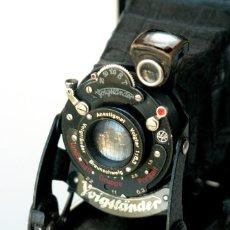 Cámara de fotos: *C1930* • VOIGTLÄNDER BESSA VOIGTAR F6.3 • GAUTHIER PRONTO, FORMATO MEDIO FOLDING 6X9. Lote 175135363