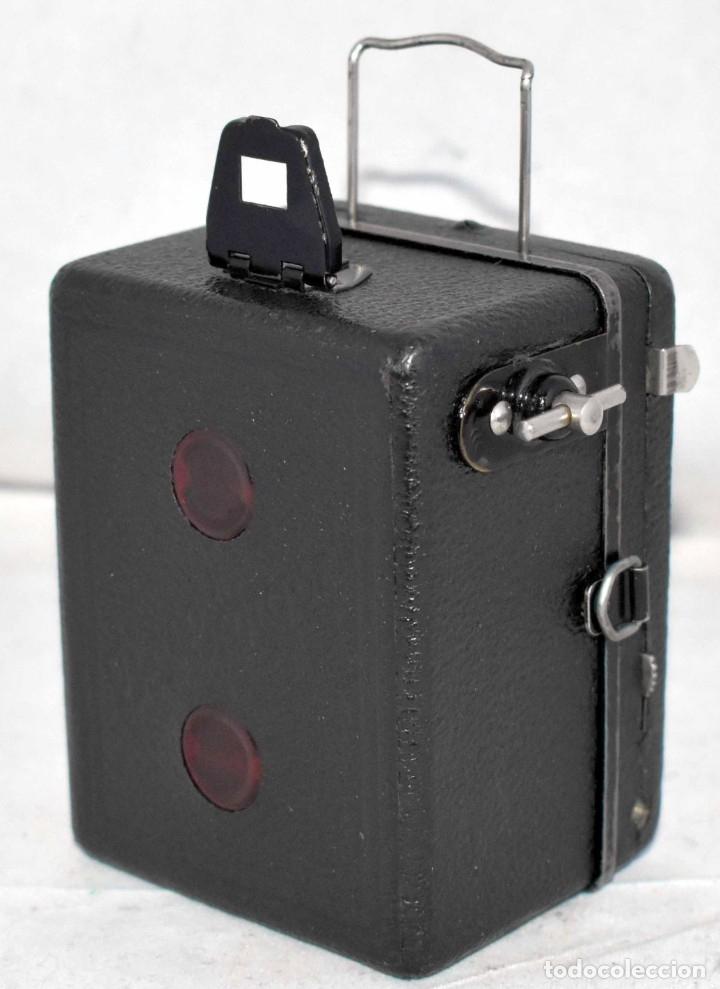 Cámara de fotos: PRECIOSA..BOX MINIATURA..ZEISS IKON BABY BOX 54/18+FUNDA..ALEMANIA 1930.. BUEN ESTADO..FUNCIONA. - Foto 10 - 177506612