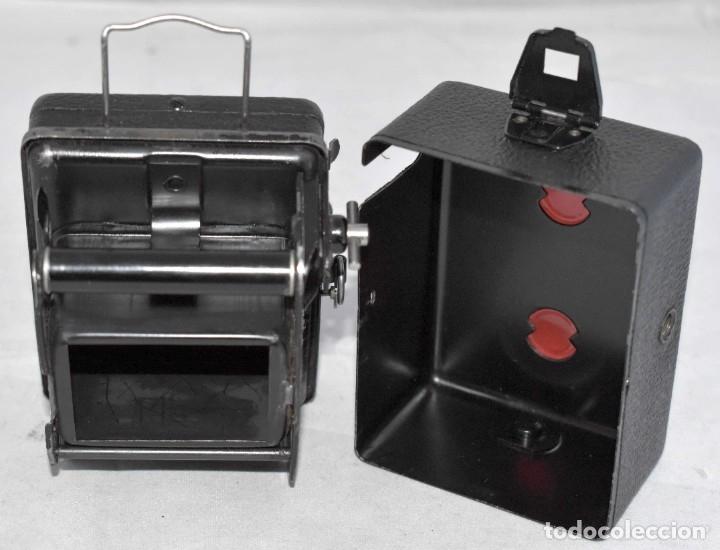 Cámara de fotos: PRECIOSA..BOX MINIATURA..ZEISS IKON BABY BOX 54/18+FUNDA..ALEMANIA 1930.. BUEN ESTADO..FUNCIONA. - Foto 12 - 177506612