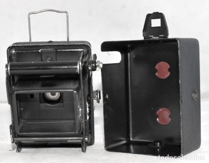 Cámara de fotos: PRECIOSA..BOX MINIATURA..ZEISS IKON BABY BOX 54/18+FUNDA..ALEMANIA 1930.. BUEN ESTADO..FUNCIONA. - Foto 13 - 177506612