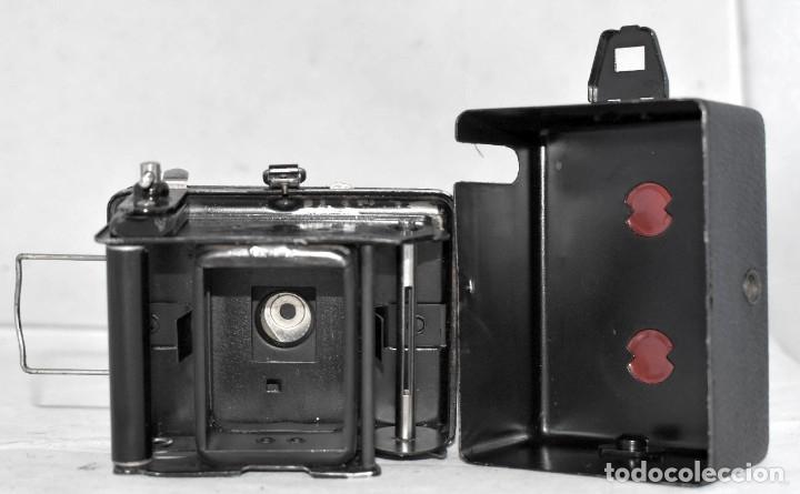 Cámara de fotos: PRECIOSA..BOX MINIATURA..ZEISS IKON BABY BOX 54/18+FUNDA..ALEMANIA 1930.. BUEN ESTADO..FUNCIONA. - Foto 14 - 177506612