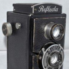 Cámara de fotos: OCASION...REFLEX BIFOCAL (TLR)..RICHTER REFLECTA (ALEMANIA, 1933)..FUNCIONA..BUEN ESTADO. Lote 177510768