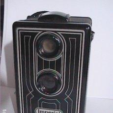 Cámara de fotos: CÁMARA FOTOGRÁFICA BRAUN IMPERIAL BOX 6X6 S. 1951. NUREMBERG. ALEMANIA.. Lote 177875359