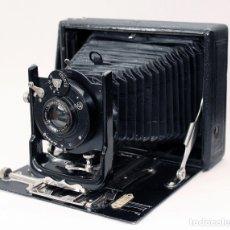 Cámara de fotos: ESPI. SPITZER PATRIZIA .CÁMARA DE MADERA. AÑO 1919. Lote 181884528