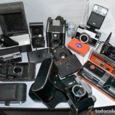 Cámara de fotos: GRAN LOTE CAMARAS DESGUACE Y ARTICULOS FOTOGRAFICOS.DIFERENTES EPOCAS Y ESTADOS.KODAK, AGFA, ETC. Lote 182907031