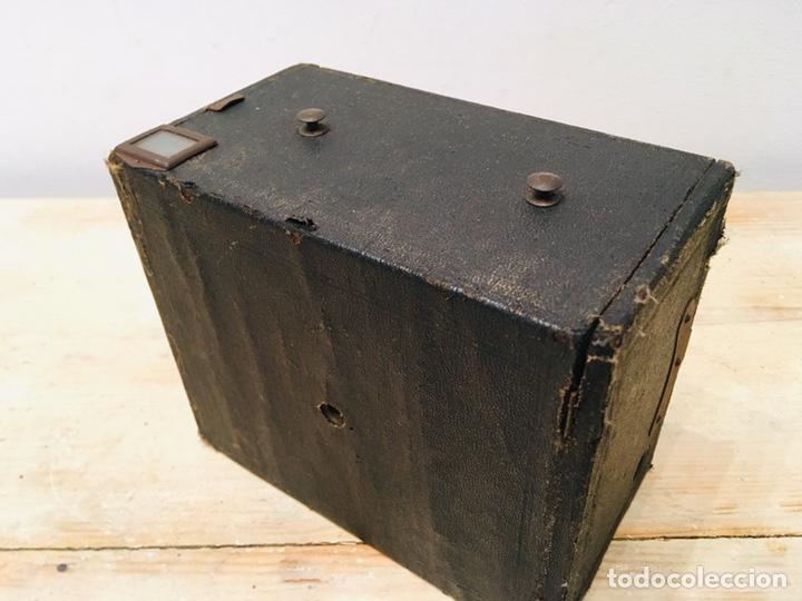 Cámara de fotos: ANTIGUA CÁMARA DE FOTOS BOX AÑOS 30 MAQUINA FOTOGRAFICA CUADRADA - Foto 4 - 214960131