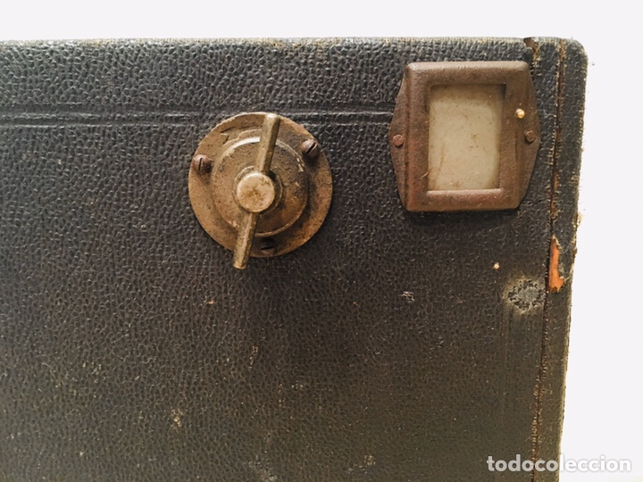 Cámara de fotos: ANTIGUA CÁMARA DE FOTOS BOX AÑOS 30 MAQUINA FOTOGRAFICA CUADRADA - Foto 5 - 214960131