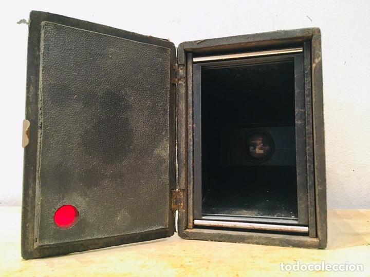Cámara de fotos: ANTIGUA CÁMARA DE FOTOS BOX AÑOS 30 MAQUINA FOTOGRAFICA CUADRADA - Foto 8 - 214960131