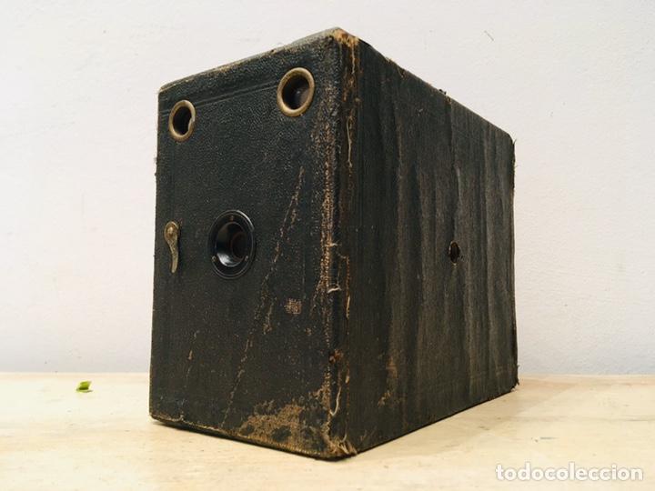Cámara de fotos: ANTIGUA CÁMARA DE FOTOS BOX AÑOS 30 MAQUINA FOTOGRAFICA CUADRADA - Foto 9 - 214960131