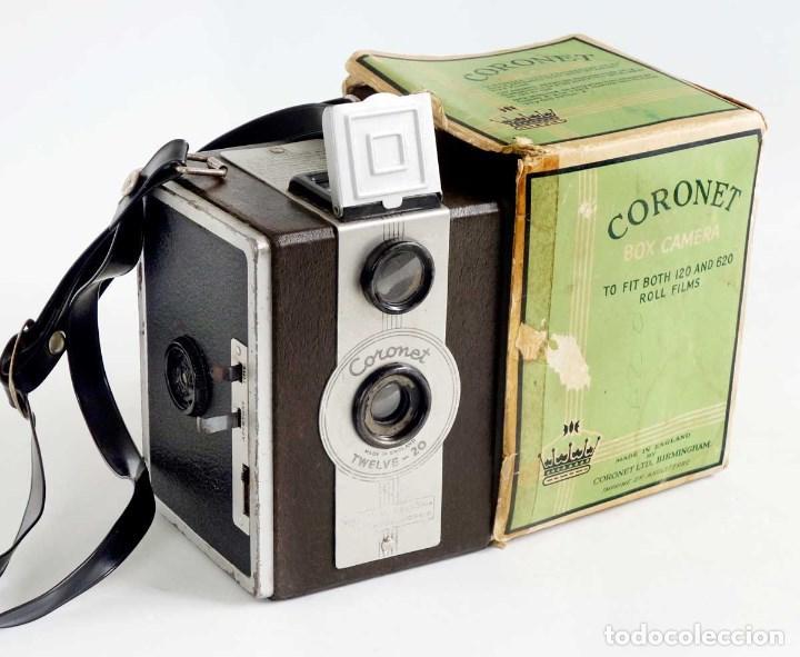 Cámara de fotos: CÁMARA CORONET TWELVE-20 MARRÓN 1950 CON CAJA ORIGINAL. - Foto 6 - 187520511