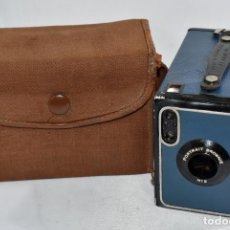 Cámara de fotos: PRECIOSA, AZUL..KODAK BROWNIE Nº 2 PORTRAIT+FUNDA..INGLATERRA 1929/1935..MUY BUEN ESTADO..FUNCIONA. Lote 189221102
