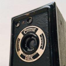 Cámara de fotos: ANTIGUA CÁMARA DE FOTOS CORONET REX AÑOS 30 MAQUINA FOTOGRAFICA BOX CAMERA CUADRADA. Lote 189489232