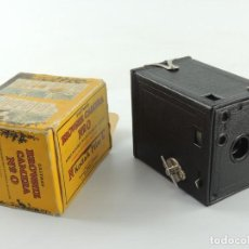 Cámara de fotos: ANTIGUA CÁMARA DE FOTOS TIPO BOX CAJÓN KODAK BROWNIE Nº 0 MODELO USA CON CAJA. Lote 190105538