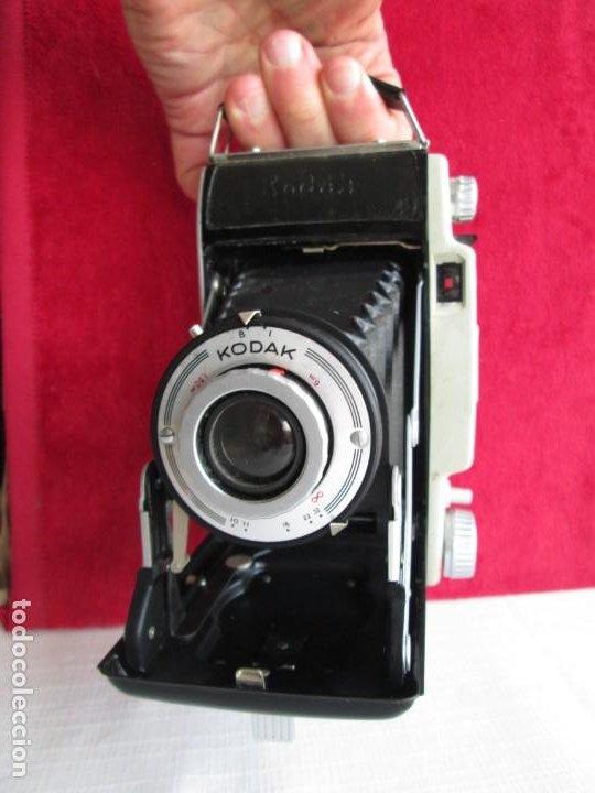 CAMARA KODAK BII CON FUELLE PERFECTO Y FUNCIONANDO EL DISPARADOR Y CON FUNDA ORIGINAL D EPIEL (Cámaras Fotográficas - Antiguas (hasta 1950))