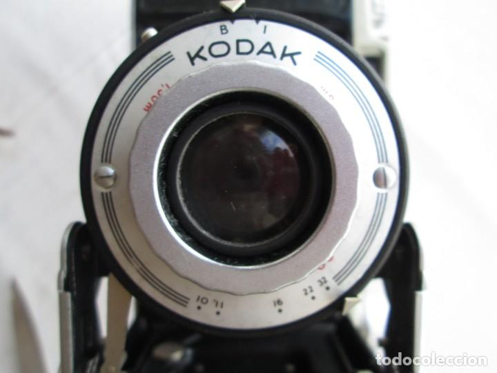 Cámara de fotos: CAMARA KODAK BII CON FUELLE PERFECTO Y FUNCIONANDO EL DISPARADOR Y CON FUNDA ORIGINAL D EPIEL - Foto 3 - 190927866