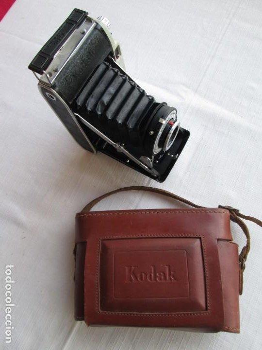 Cámara de fotos: CAMARA KODAK BII CON FUELLE PERFECTO Y FUNCIONANDO EL DISPARADOR Y CON FUNDA ORIGINAL D EPIEL - Foto 4 - 190927866