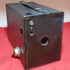 Cámara de fotos: CAMARA KODAK Nº 2 BROWNIE MODEL F. Lote 192339325