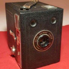 Cámara de fotos: CAMARA KODAK SIX 20 BROWNIE JUNIOR. Lote 192350983