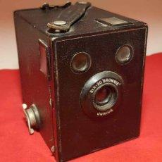 Cámara de fotos: CAMARA KODAK SIX 20 BROWNIE JUNIOR. Lote 192351300