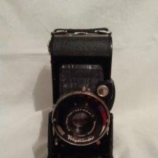 Cámara de fotos: CAMARA DE FOTOS ANTIGUA VOIGTLANDER CON ESTUCHE ENVIO PENINSULAR POR MENSAJERIA INCLUIDO. Lote 192664753