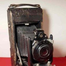 Cámara de fotos: CAMARA CARBINE DE FUELLE Y PLACAS. Lote 193823835