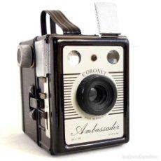 Cámara de fotos: CÁMARA CORONET AMBASSADOR 1955. FUNCIONA. Lote 193880098