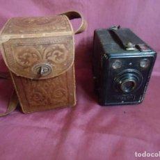 Cámara de fotos: ANTIGUA CAMARA DE CAJON KODAK BOX620.ALEMANA 1936.FUNDA CUERO REPUJADO.. Lote 194232477