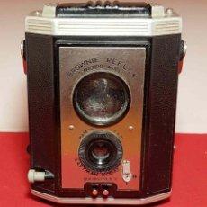 Cámara de fotos: CAMARA KODAK BROWNIE REFLEX. Lote 194675910