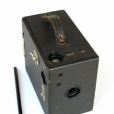 Cámara de fotos: *C1921* • THORNTON PICKARD - APM (PUCK) • FORMATO MEDIO 6X9 ' BOX ' EN MADERA Y PIEL. Lote 195320436