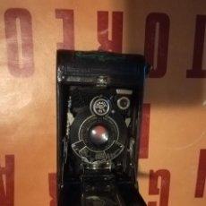 Cámara de fotos: CAMARA KODAK A 127. CON FUNDA ORIGINAL DE CUERO. Lote 196070642