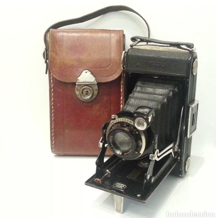 ANTIGUA CÁMARA FOTOGRÁFICA ZEISS IKON IKONTA CON NOVAR ANASTIGMAT 1:48 F9.5. INCLUYE FUNDA DE CUERO (Cámaras Fotográficas - Antiguas (hasta 1950))