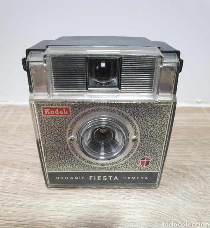 KODAK BROWNIE FIESTA (Cámaras Fotográficas - Antiguas (hasta 1950))