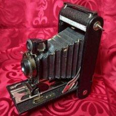 Cámara de fotos: KODAC NUM. 2C AUTOGRAPHIC KODAC JR. VENDIDA DE 1916 A 1927 - BUEN ESTADO. Lote 202383748