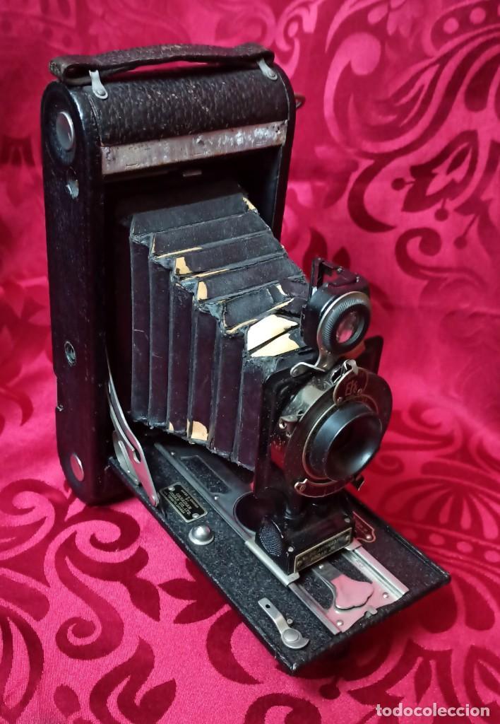 Cámara de fotos: KODAC NUM. 2C AUTOGRAPHIC KODAC JR. Vendida de 1916 a 1927 - Buen estado - Foto 3 - 202383748