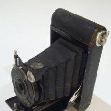Cámara de fotos: CÁMARA DE FUELLE VEST POCKET EASTMAN KODAK MODEL B EN MUY BUEN ESTADO.. Lote 205554715